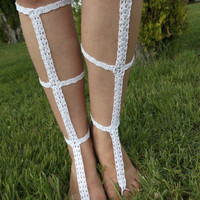 FREE SHIPPING! White rose handmade crochet barefoot sandals, great for summer. Bridal accessory.