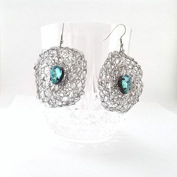 Crochet wire earrings in silver, Hypoallergenic circle earrings - Silver wire earrings-