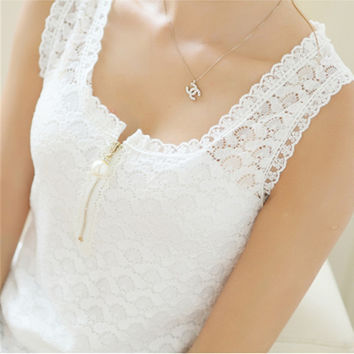 Summer Style Ladies Tube Tops Lace Blouse Shirt New Fashion 2017 S-XXXL Fitness Sexy Hollow Out Sleeveless White Tank Top Women