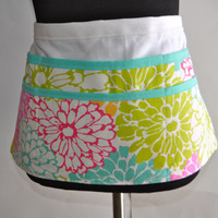 Spring Floral Apron, Utility Apron, Womens Vendor Apron, Teacher Apron, Pink Carpenter Apron. Floral pastel utility apron, Floral apron