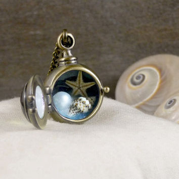 Sea life necklace, Porthole necklace, Miniature terrarium necklace, Real seashell starfish pearl necklace, Beach necklace, Ocean jewelry