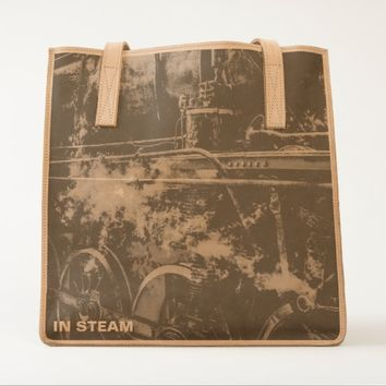 Vintage steam train - In Steam Tote