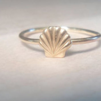 Sea Shell Knuckle Ring-Layering Above the Knuckle Ring Gold Brass Stackable Midi Ring