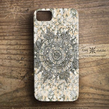 Lace iPhone 4 case - iPhone 4s case, iPhone 5 case, artist, designer, artwork, art - crochet lace with peach pattern (c118)