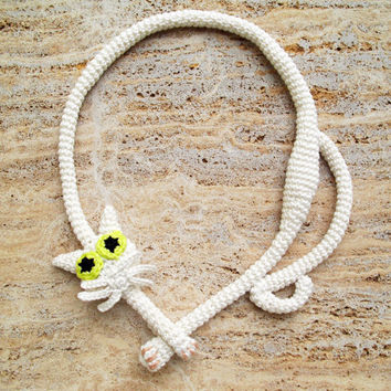 Cat necklace White necklace White cat Crochet necklace Crochet jewelry Fiber art jewelry
