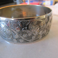 Indian engraved silver plated brass bangle large vintage 70s Boho retro Hippie.