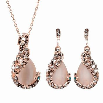 Elegant Water-drop Rhinestone Pendant Necklace Hook Earrings Set
