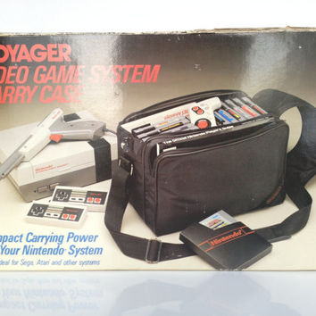 Vintage NES Nintendo Carry Case