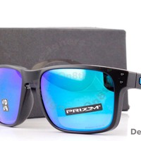 New Authentic OAKLEY Holbrook OO9102-D255 Sapphire Fade Polarized Sunglasses Bid
