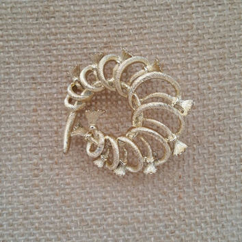 Unser silvertone brooch, tassel wreath design vintage costume  jewelry