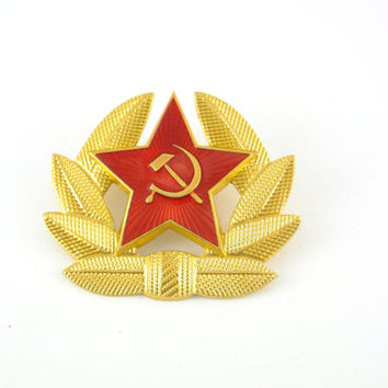 Soviet Military Red Star Badge Hat Badge Hammer and Sickle Soviet Pin Made in USSR Cap Badge Military Ussr Pin