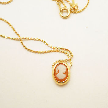 Vintage Crown Trifari Cameo Necklace