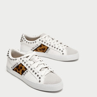 PRINTED PLIMSOLLS WITH STUDS DETAILS