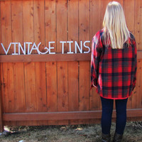 vintage flannel lumberjack quilted shirt. red plaid work shirt. vintage lumberjack button down shirt