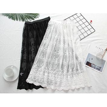 Spring Autumn Women Lace Skirts 2017 Fashion Casual Mesh tulle embroidery Hollow Out short Pencil Elegant White Skirt underskirt