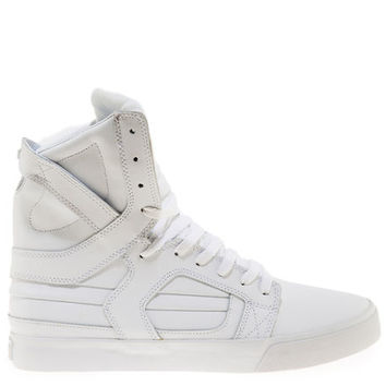 The Skytop II in White Action