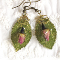 Mini Roses Resin Botanical Earring Real Flower Jewelry Eco Friendly Pressed Flower Jewelry Olive color real leaves and Pink Retro chic Rose