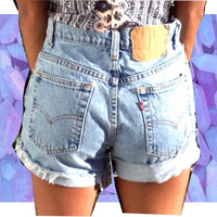 SALE: Small Plain Levi High waisted shorts