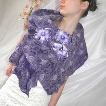 Nuno Felted Vest/ Two sided /Merino Wool /lilac violet by Marywool