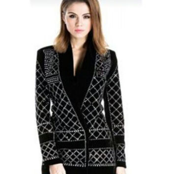 2016 Runway Luxury New Fashion Women Black Blazer with Handmade Pearls Beaded Gorgeous Embellished Slim Coat with single button