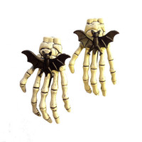 Skeleton Hair Clip With Black Bat