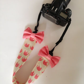 DSLR Camera Strap Cover, Canon and Nikon Compatible Pink Elephants with Double Bow