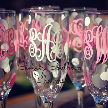 6 Monogrammed Wedding Champagne Glasses, Personalized Bride and Bridesmaid Champagne Flutes, Script Monogram