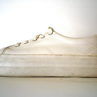 Vintage White Leather Platform Sneakers // 1980s Leather Lace Up Shoes Size 7