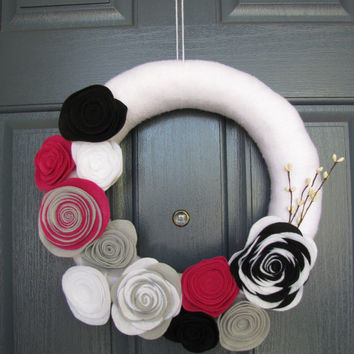 White Door Wreath - White Yarn Wreath with berry, white, black, and silver-grey felt flowers with white berries - Door hanging