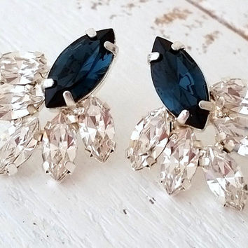 Navy blue crystal stud earrings, Bridal earrings, Blue cluster earring, Bridesmaids gift,Dark blue earrings,Swarovski earring,Silver earring