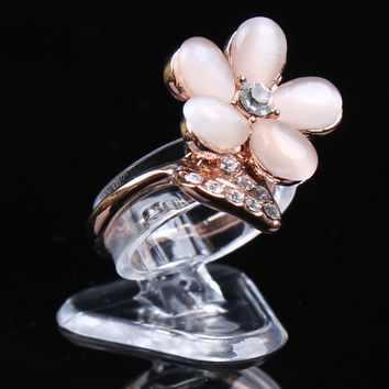 Mini ring display shelf Jewelry displays shelf decoration clear plastic circle rings display stand fashion jewelry holder