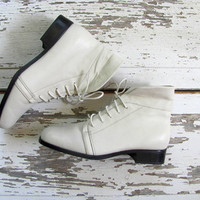 80s white leather ankle boots. granny boots. fold over boots. size 8W
