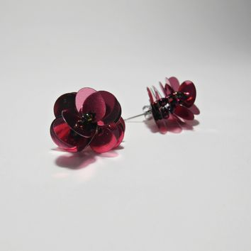 [C.F.] metal pink flower spangle earrings