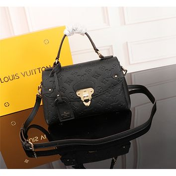 LV Louis Vuitton MAGICLOOK ON THE GO Inspired Style Women Handbag Tote Shoulder Extremely Large 33x23x15 cm Bag Brown Monogram Plus Reverse Universal Color Organizer Onthego Bag made of Canvas black