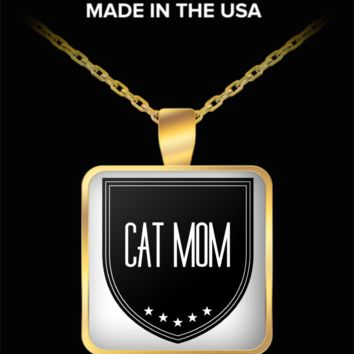 Cat Mom Necklace - Proud Cat Mom - Square Gold Plated Cat Mom Jewelry Pendant & Chain Fits All - World's Best Cat Mom - Funny Gifts For Cat Lover Person Wife Husband Mom Dad Mother's Father's Day Women Men Christmas New Years Day Party Valentine's Day
