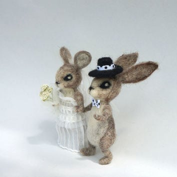 Wedding Bunny Cake Topper Woodland Bride and Groom Unique Enchanting felt topper Needle Felted rabbit  Animal Wool topper Cute Rustic topper