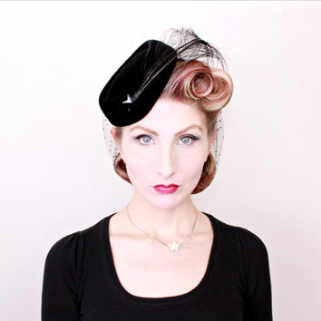 1950s Hat / VINTAGE / 50s Hat / Shooting Star / Feathers / Black Velvet / Widows Peak