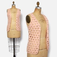 Vintage 60s Crochet Vest / 1960s Pastel Peach Hippie Loose Fit Layering Piece