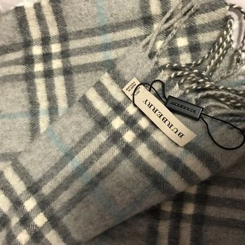 100% cashmere authentic Burberry scarf