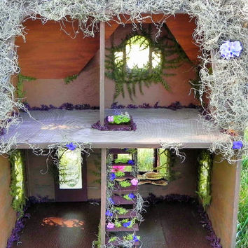 Fairy dollhouse. Fairy house, fairy garden, dollhouse, miniatures, vintage duracraft model, amazing gift!