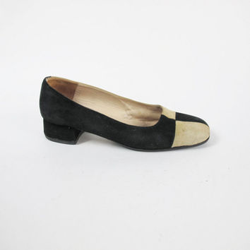 1990s Two Tone Heels Cream Black Checkered Pumps Color Block Flats Low Heel Pumps Suede Leather Pumps Vintage Womens Slip On Shoes Size 9