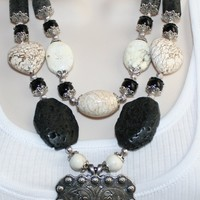 Chunky Cowgirl Necklace, Blackstone and White Turquoise Statement Necklace, Concho Rodeo Necklace