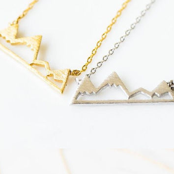 Handmade Gold Or Silver Mountain Necklace, snow mountain Necklace, Nature Lover Necklace, Outdoor necklace, Hiker , Gift , Bridesmaid