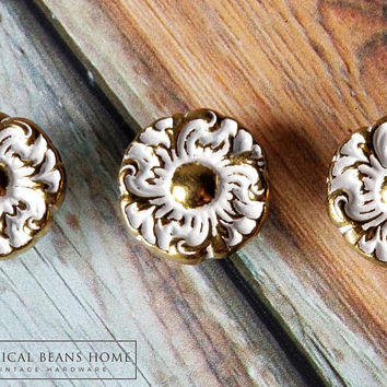 Keeler Brass Co Hollywood Regency Drawer Knob French Provincial Furniture Pulls Gold & White Floral Dresser Knobs Vintage Brass Drawer Knobs