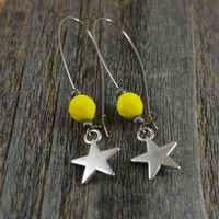 Silver star earrings, earrings star, Yellow bead earrings, Kidney wire earrings, stainless steel earring, sterling silver beaded earrings