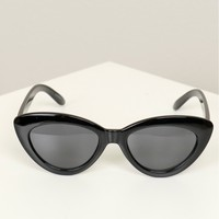 Classic Cat Eye Sunglasses Black