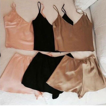 2016 New 2pcs Women Sexy Sleepwear Babydoll Spaghetti Straps Crop Top Tank Vest With Shorts Lingerie Nightdress Pajamas Set