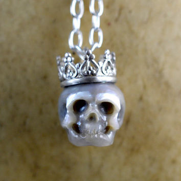 READY TO SHIP - Grey Hand Carved Pearl Skull Wearing Sterling Silver Crown Pendant - Skull Jewelry - Pearl Necklace - Halloween Gift