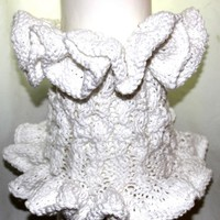 Ruffled and Romantic Elizabethan Cowl in Cotton Yarn