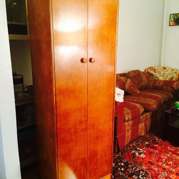 Linen Closet in Great Condition - Can store a lot